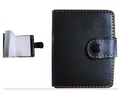 Agenda/ Rubrica in similpelle nera con penna, chiusura a bottone, misura 9x11cm, 46 pagine